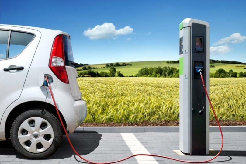 El fin del diésel y la gasolina ya tiene fecha en España: 2040